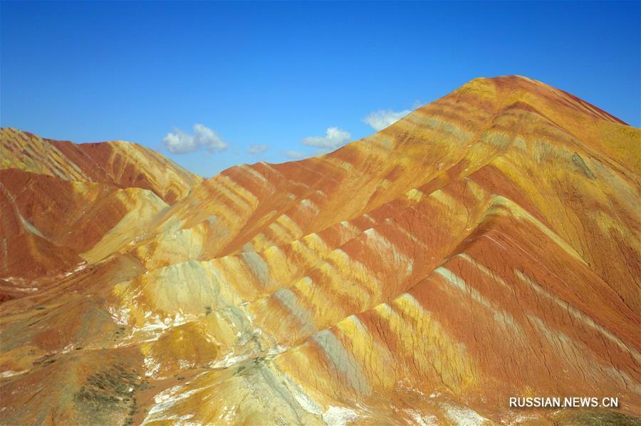 Данься - радужные или цветные горы в Китае | 598x900