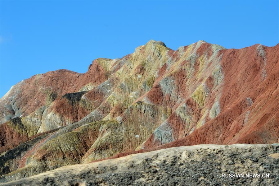Разноцветные горы Чжанъе Данься в Китае | Tripway | 598x899